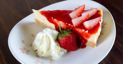 Tarta de queso con fresas sin lactosa