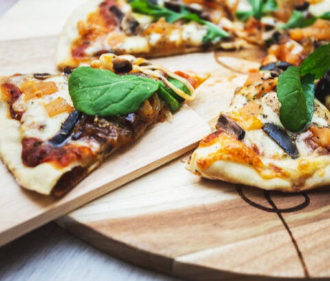Cómo preparar una pizza vegana